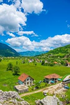 Czarnogóra gusinje słynne źródła ali paszy w pobliżu gór prokletije
