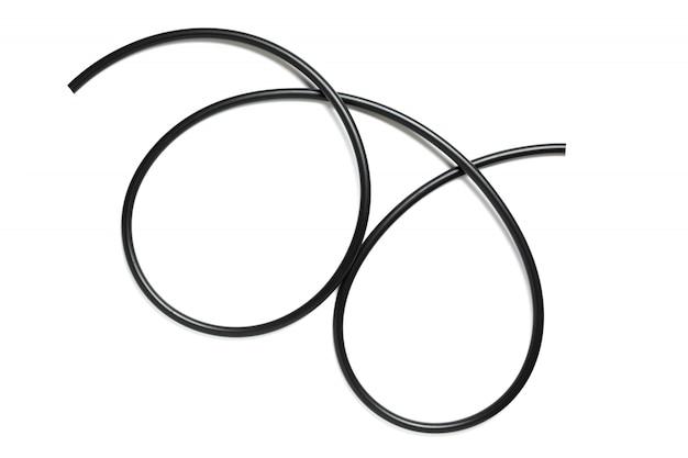 Czarny druciany kabel odizolowywający na białym tle
