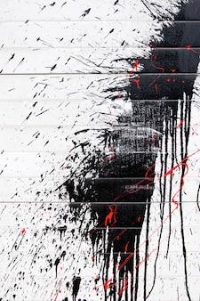 Czarny graffiti w sprayu