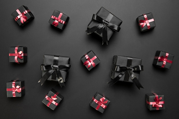 Czarny piątek z czarnymi prezentami