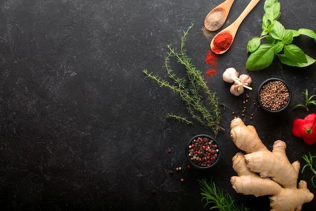 Czarny stół kuchenny z przyprawami