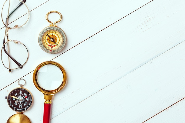 Czas na podróż. pomysł na turystykę z kompasem.