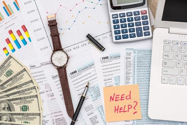"""Czas na zapłacenie podatków, przypomnienie """"potrzebuję pomocy"""" na formularzu 1040"""