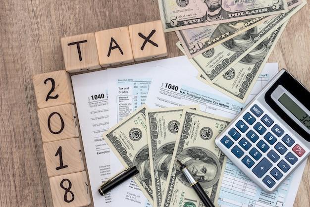 Czas na zapłacenie podatku, koncepcja fiskalna, formularz 1040