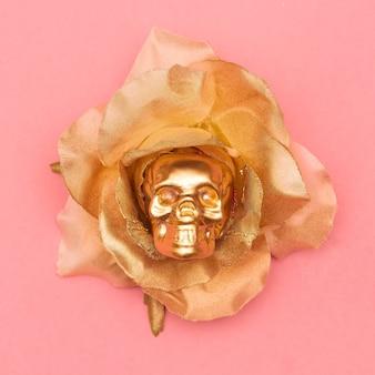 Czaszka moda i róża. płaska sztuka minimalna