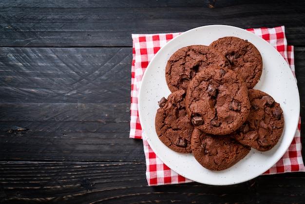 Czekoladowe ciasteczka z kawałkami czekolady