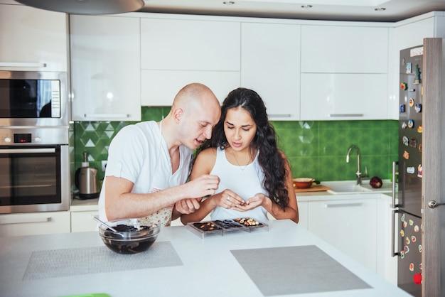 Czekoladowy preparat do produkcji czekolady w kuchni