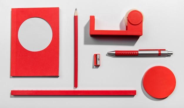 Czerwona Koncepcja Knolling Z Karteczki Darmowe Zdjęcia