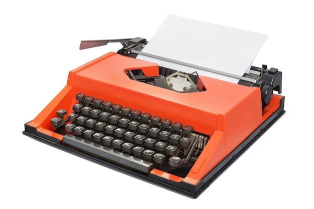 Czerwona maszyna do pisania z izolowanym duńskim układem klawiatury