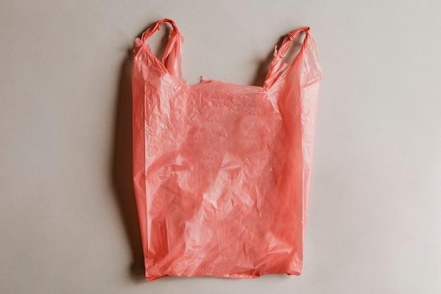Czerwona niebezpieczna plastikowa torba