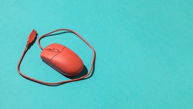 Czerwona przewodowa mysz optyczna usb