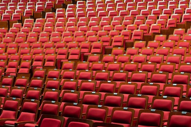 Czerwona skórzana tkanina krzesło z tkaniny