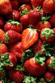 Czerwona truskawka wzorzyste tło lato tapeta