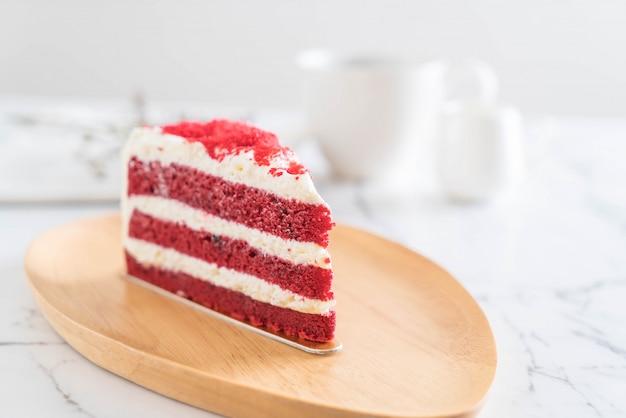 Czerwone aksamitne ciasto