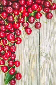 Czerwone czereśnie. selektywna ostrość. jedzenie natura owoc.