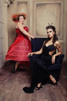 Czerwone i czarne królowe