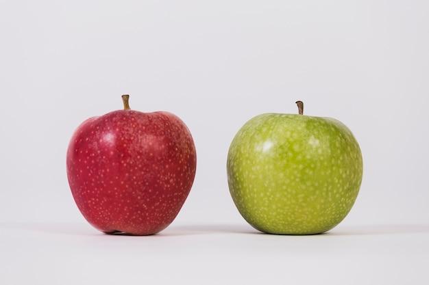 Czerwone i zielone jabłko