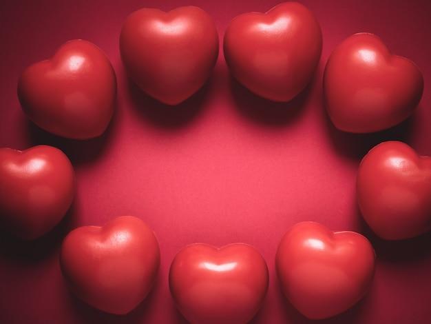 Czerwone serce. koncepcja miłości, opieki i walentynki.
