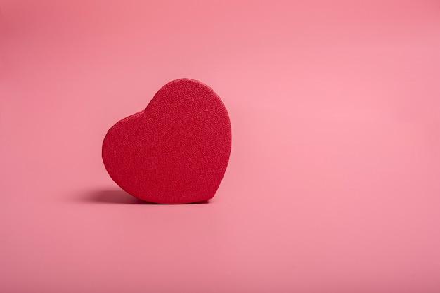 Czerwone serce z materiału