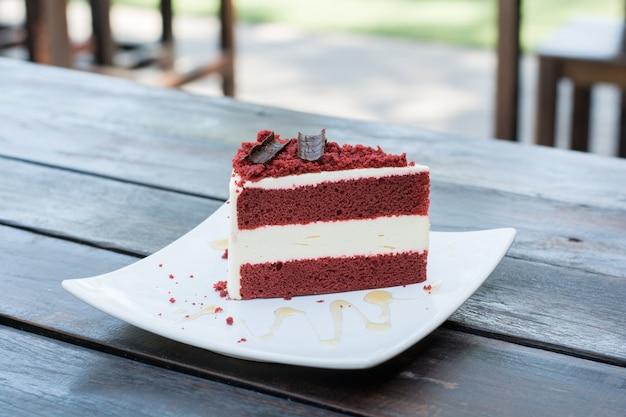 Czerwony aksamitny tort