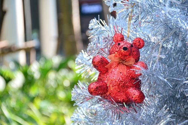 Czerwony niedźwiedź i boże narodzenie