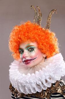 Czerwony smutny klaun.