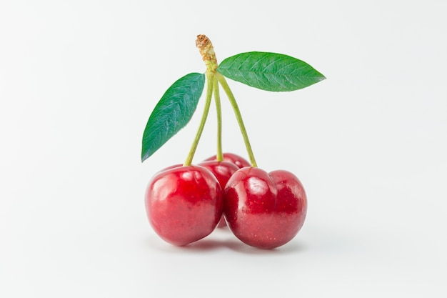 Czerwonym tle owoców smaczne zbliżenie