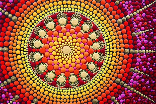 Część pięknej mandali ręcznie malowana