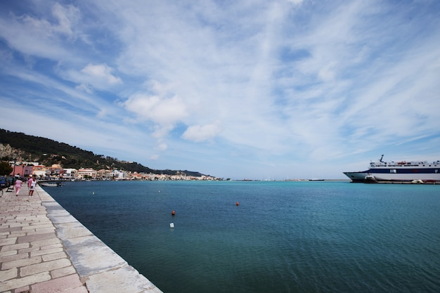 Część portu i miasta zakinthos