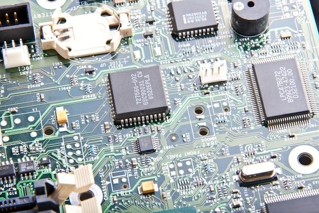 Części płyty głównej komputera