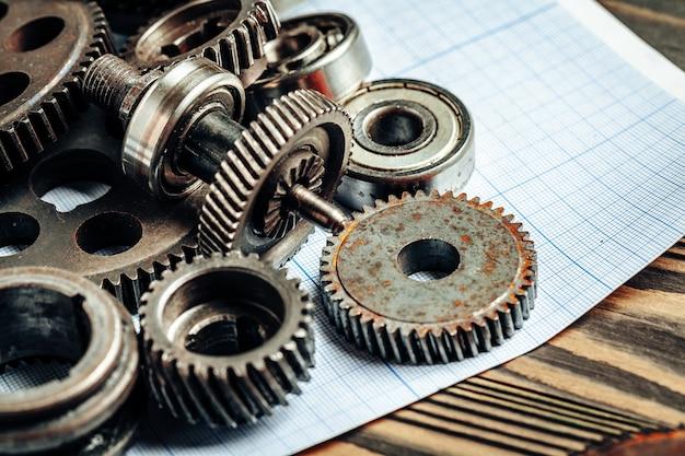 Części samochodowe na papierze milimetrowym do inżynierii samochodowej