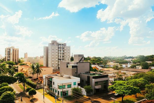 Częściowy widok na miasto dourados, w mato grosso do sul, brazylia