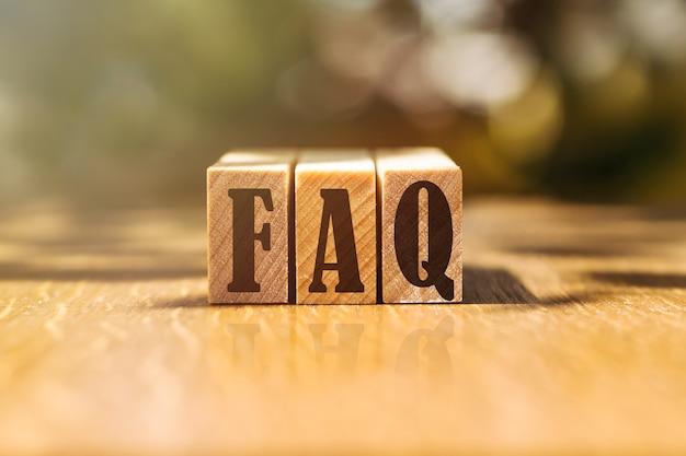 Często zadawane pytania dotyczące budowania drewnianych klocków na stole w słońcu