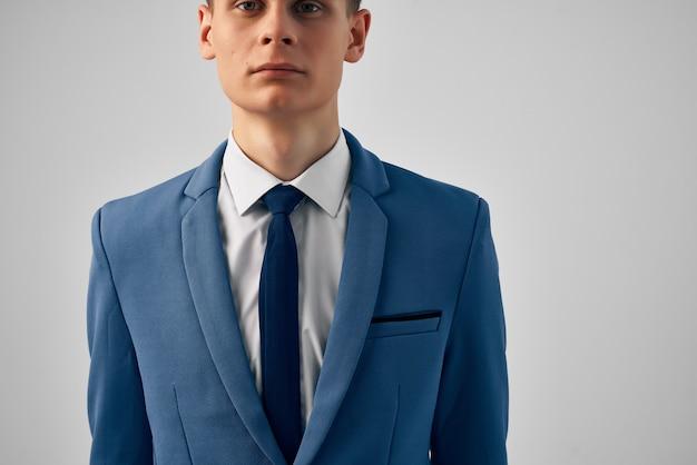 Człowiek biznesu w pracy biurowej kierownika garnituru. zdjęcie wysokiej jakości