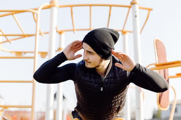 Człowiek fitness trening na świeżym powietrzu żywy aktywny zdrowy