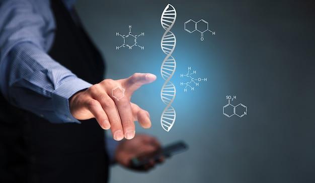 Człowiek posiadający abstrakcyjną technologię naukową koncepcję futurystyczną dna na niebieskim tle hi tech