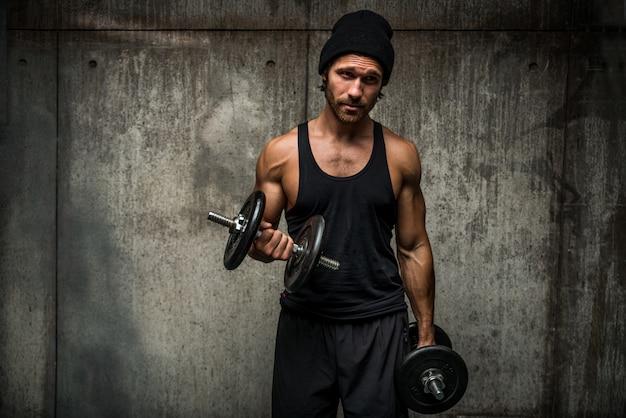 Człowiek, trening na siłowni
