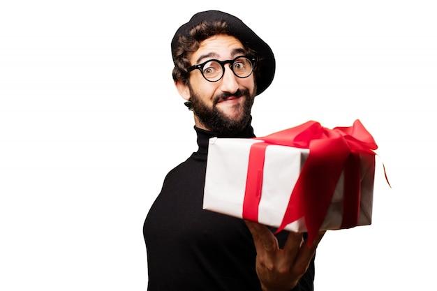 Człowiek trzyma biały prezent