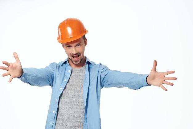Człowiek w budownictwie jednolite plany konstruktor pracujący zawód