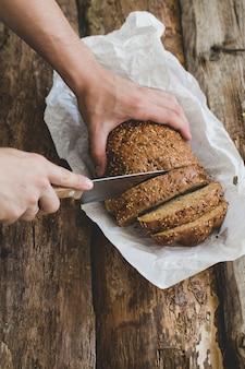 Człowiek z chlebem