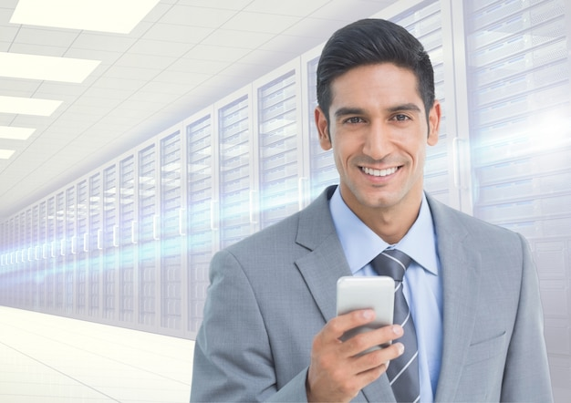 Człowiek z klasą dotykając tech sieci