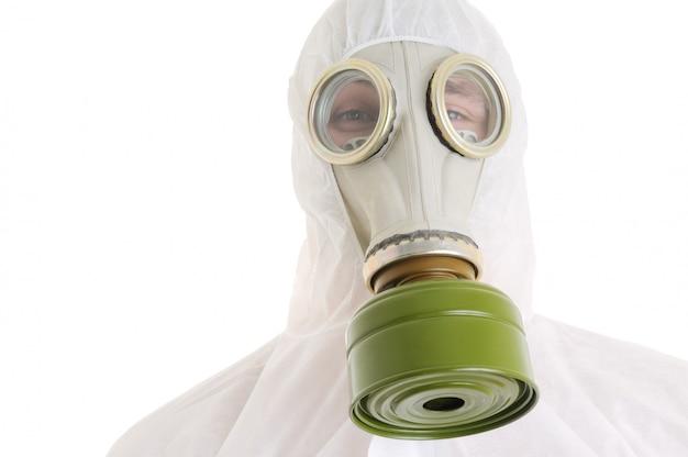Człowiek z maską gazową