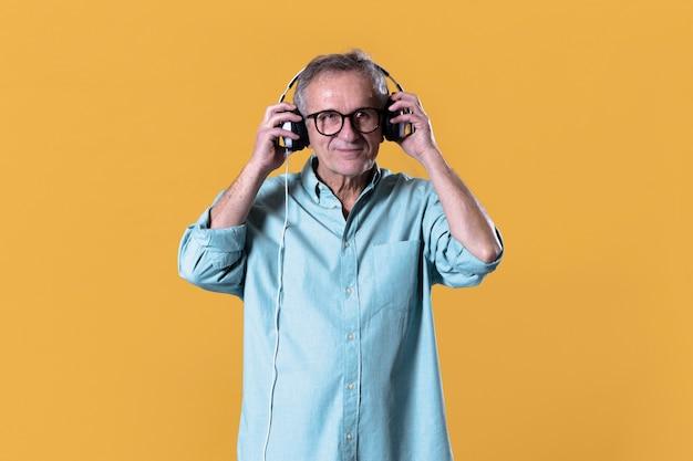 Człowiek ze słuchawkami