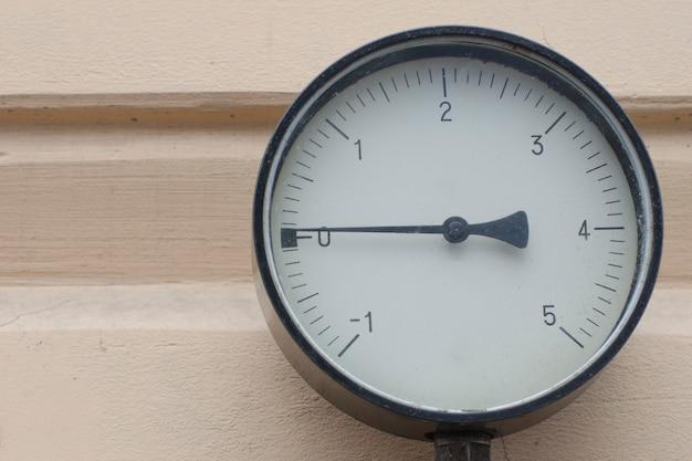 Czujnik do pomiaru ciśnienia gazu