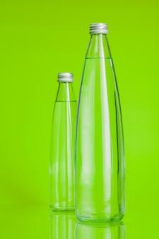 Czysta i czysta woda mineralna