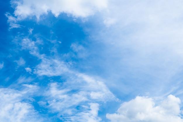 Czyste, błękitne niebo