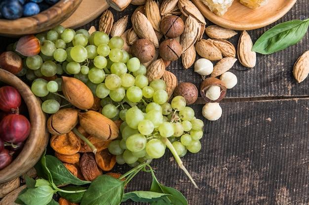 Czyste odżywianie fleksitarianizm dieta śródziemnomorska z dużą kolekcją żywności koncepcja zdrowej żywności
