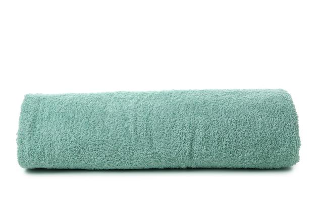 Czysty ręcznik walcowany na białym tle
