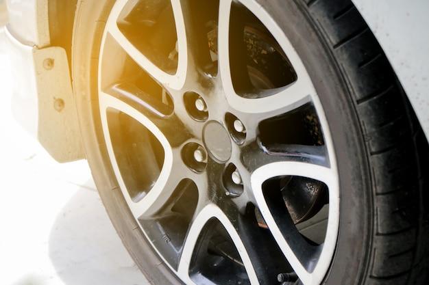 Czyszczenie i mycie samochodów na zewnątrz
