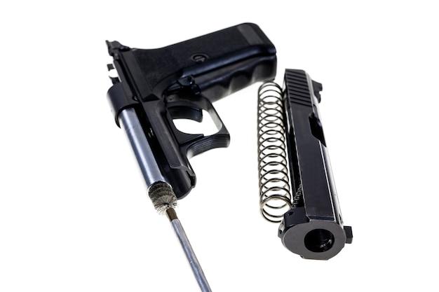 Czyszczenie Pistoletu 9 Mm. Premium Zdjęcia